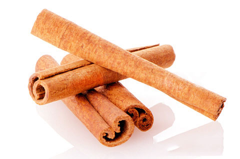 spices-of-ginger-and-cinnamon_UnjdPjiXcCG3AcY_1463116730_tac-dung-phu-cua-que-doi-voi-suc-khoe.jpg